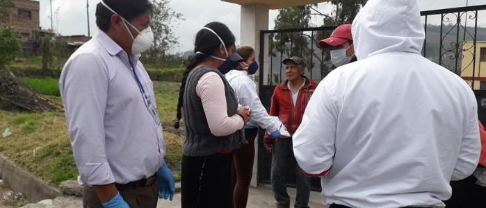 ENTREGA DE KITS ALIMENTARIOS A LOS ADULTOS MAYORES MAS NECESITADOS DE DIFERENTES COMUNIDADES.